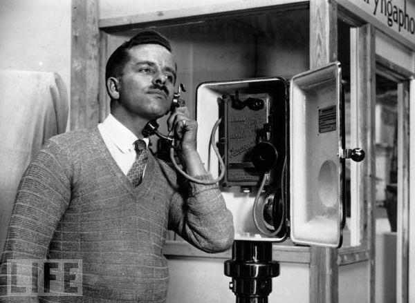 Laryngaphone - Utilise les vibrations des cordes vocales pour éliminer le bruit ambiant - 1929