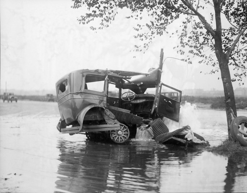 vintage-accident-voiture-36