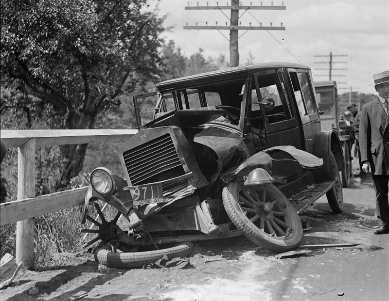 vintage-accident-voiture-7