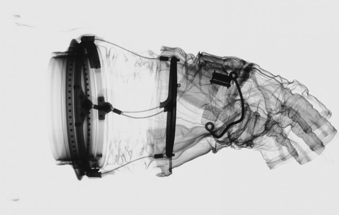 combinaison-spatiale-rayon-x-02
