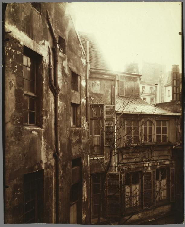 Atget-Paris-Cour-de-Rohan