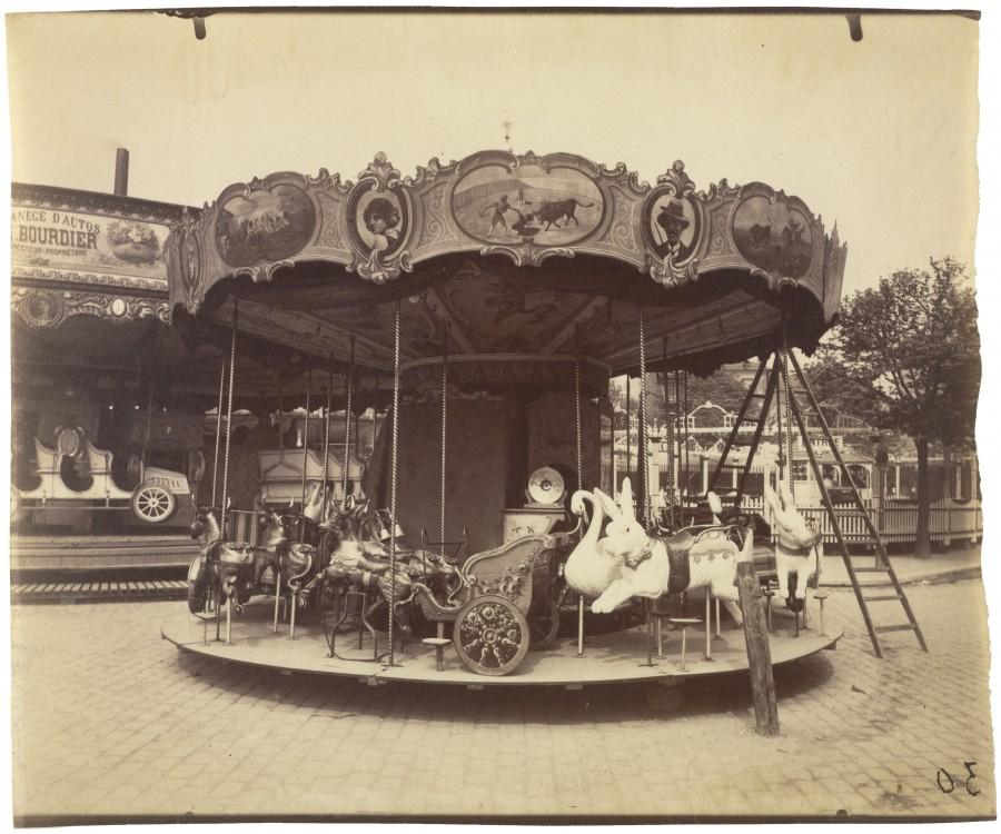 Atget Paris Fete du Trone 900x750 Le Paris de 1900 par Atget  photographie histoire art