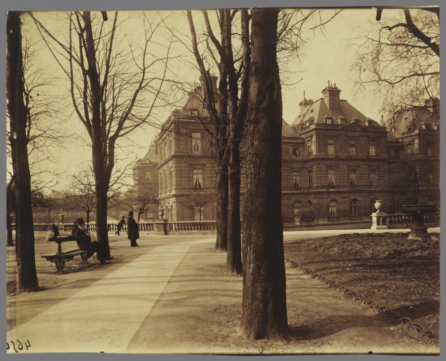 Atget Paris Jardin du Luxembourg 900x728 Le Paris de 1900 par Atget  photographie histoire art
