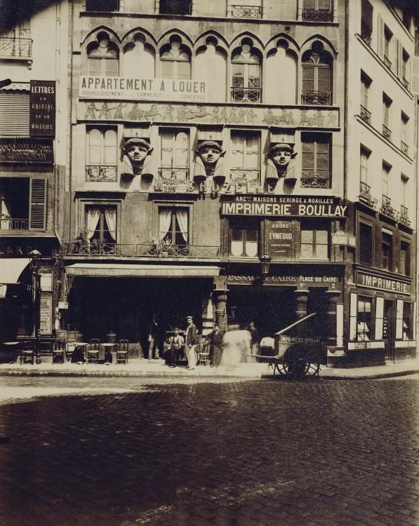Atget Paris Maison Place du Caire 597x750 Le Paris de 1900 par Atget  photographie histoire art
