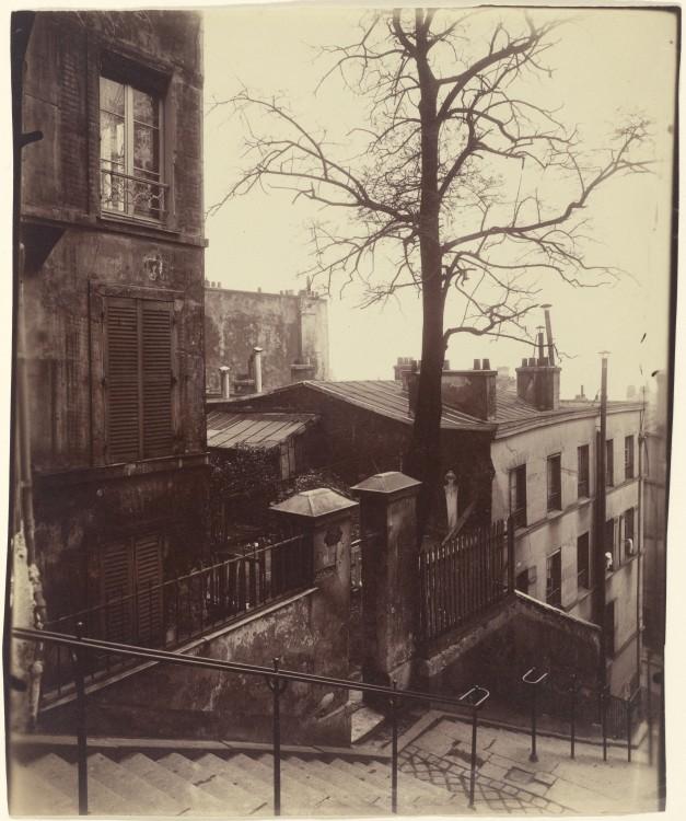 Atget Paris Montmartre 627x750 Le Paris de 1900 par Atget  photographie histoire art