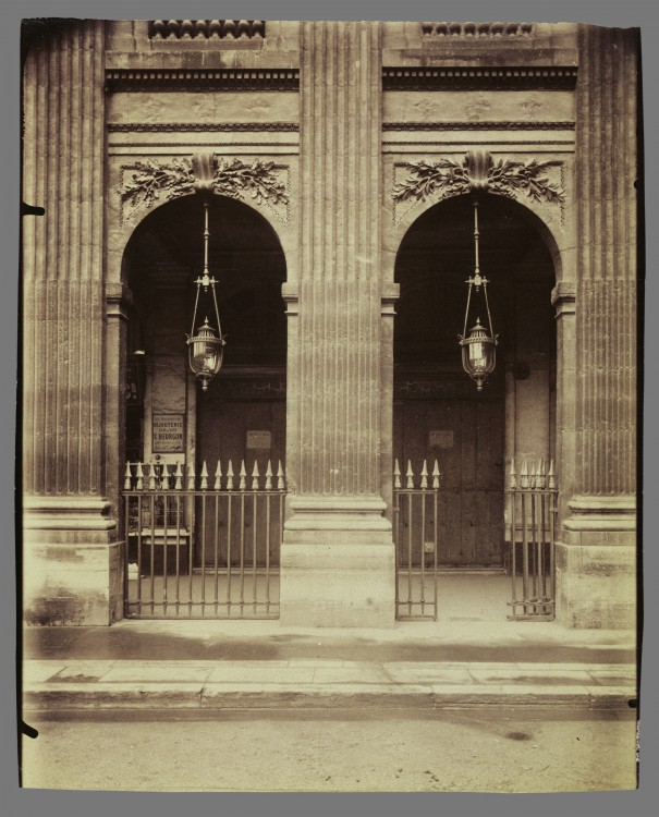 Atget-Paris-Palais-Royal