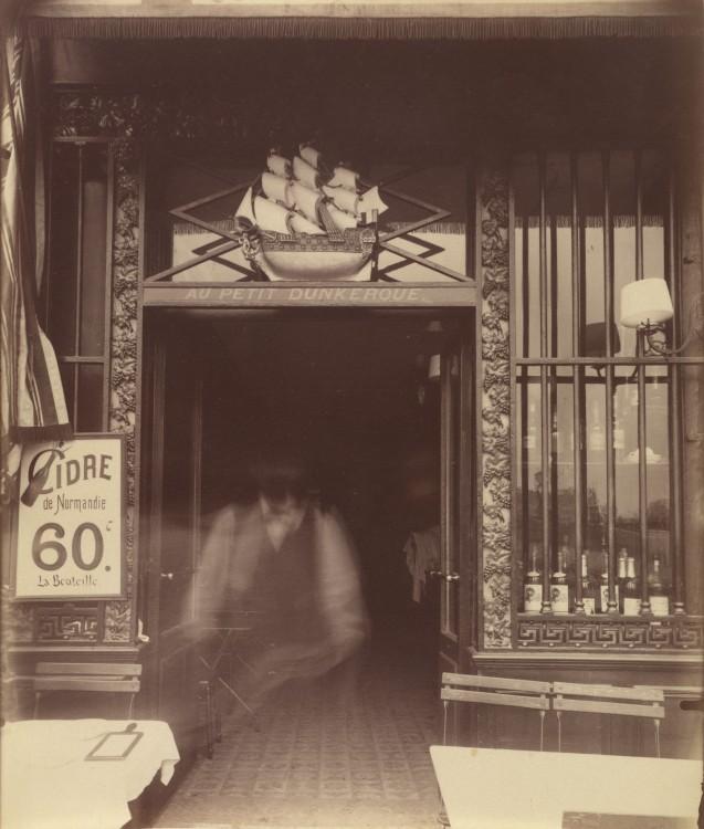 Atget Paris Quai Conti 3 637x750 Le Paris de 1900 par Atget  photographie histoire art