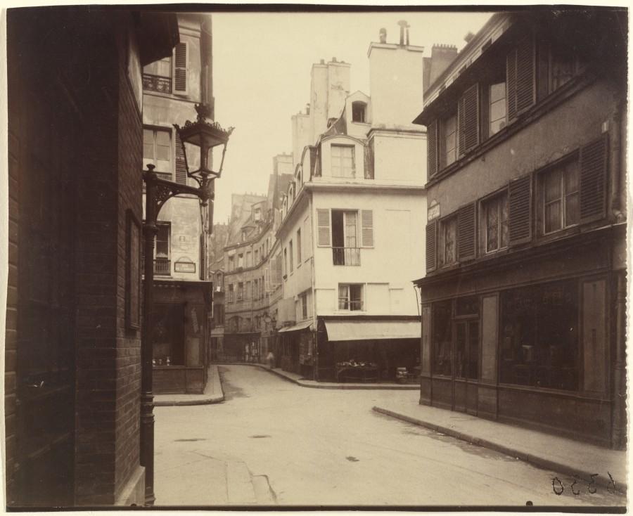 Atget Paris Rue Cardinale 900x734 Le Paris de 1900 par Atget  photographie histoire art