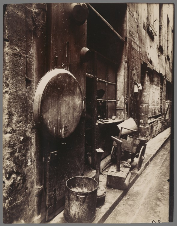 Atget Paris Rue de La Reynie 590x750 Le Paris de 1900 par Atget  photographie histoire art