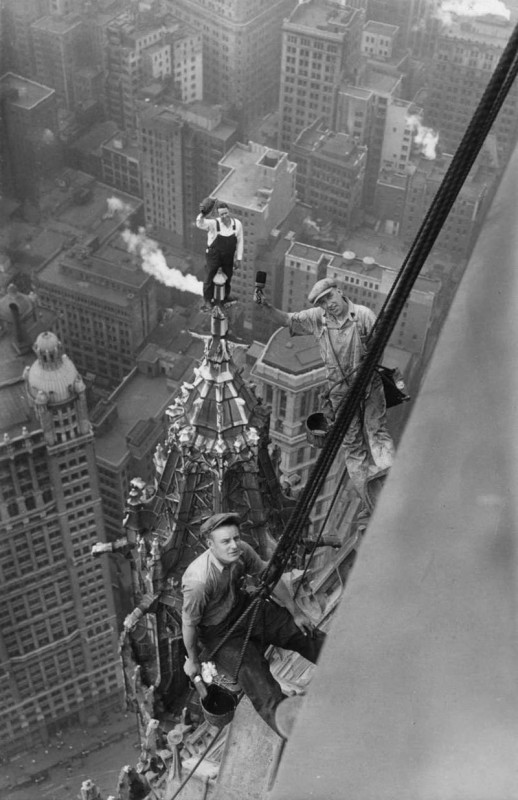 travailleurs-haut-woolworth-building-new-york-1926