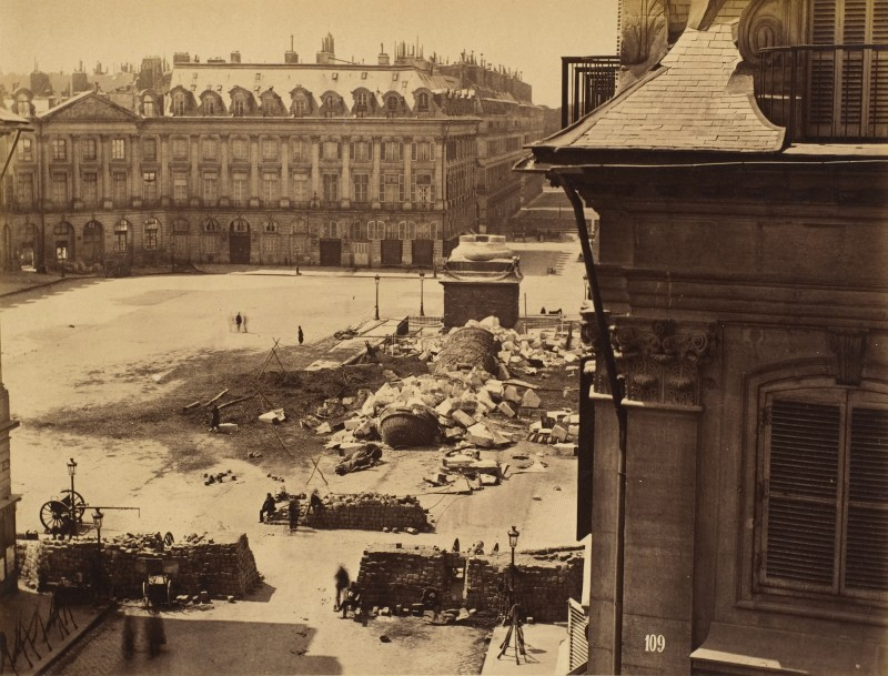 Destruction de la Colonne Vendôme à Paris en 1871
