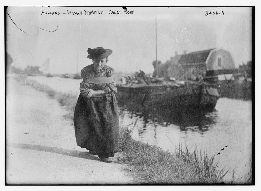 Woman-Pulling-a-Canal-Boat-1