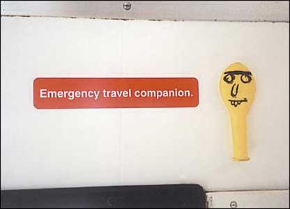 autocollant-sarcasme-metro-londres-17
