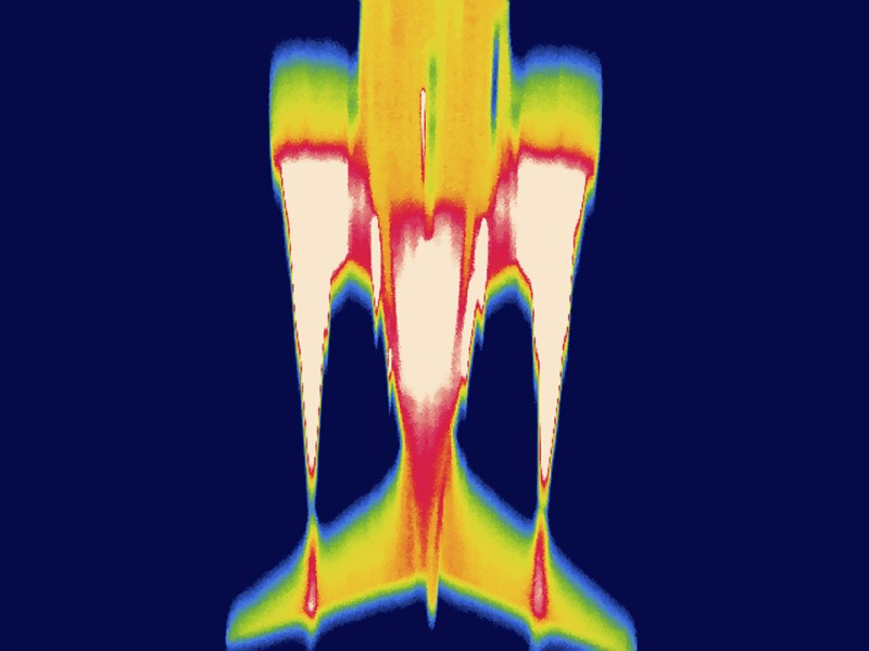 Thermal images of airplanes at  Reagan National Airport